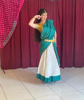 שיעורי ריקוד הודי אונליין