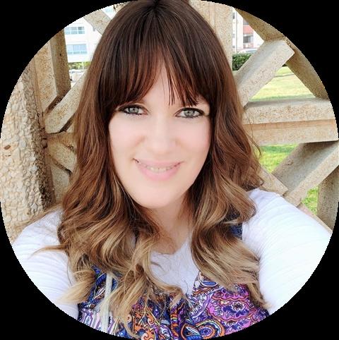 """רחלי ארלנגר, Racheli's Sales, מנהלת קהילת הפייסבוק הדתית חרדית """"ישנן"""""""